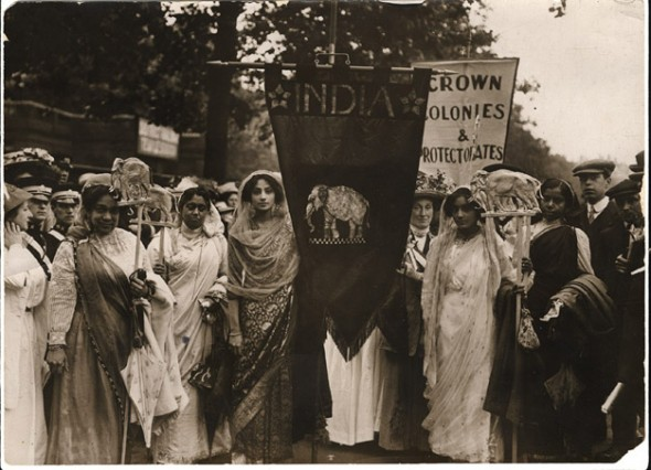 Group-of-Indian-suffragettes-in-a-procession-of-1912-590x426