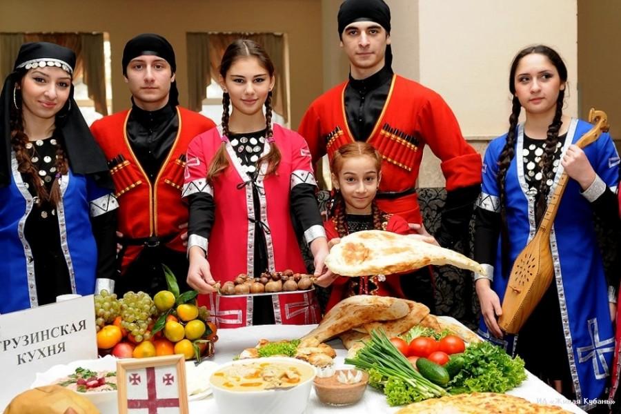circassian-people-kabardino-traditional-costume-balkaria-karachay-cherkessia-north-caucasus-circassian-men-women